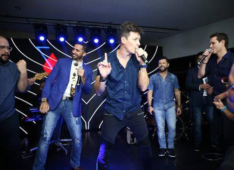 Veja fotos inéditas da festa de aniversário de Rodrigo Faro
