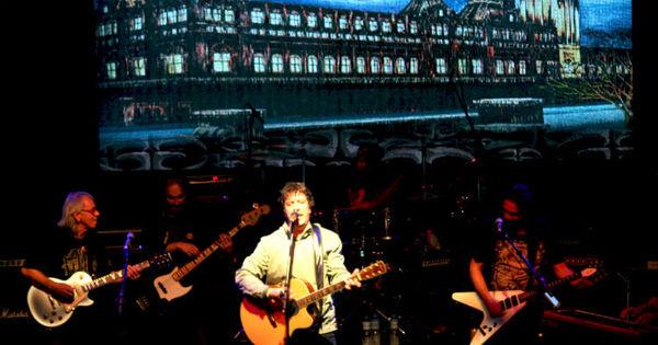 Em show emocionante em São Paulo, Golpe de Estado celebra 30 ...