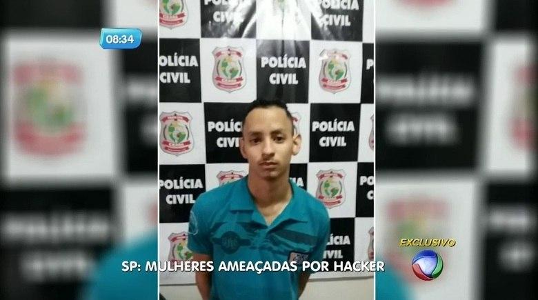 Um homem que atormentou mulheres em São Paulo com ameaças pela internet foi preso. Ele roubava senhas de rede sociais e exigia dinheiro e fotos íntimas das vítimas. Ainda não se sabe quantas adolescentes se tornaram reféns desse homem