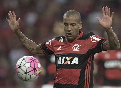 """Diretoria do Flamengo planeja """"faxina"""" no elenco para 2017"""
