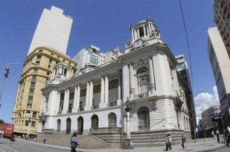 Resultado de imagem para Salário vitalício para vereador do Rio é rejeitado em sessão extraordinária
