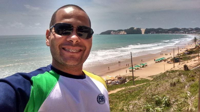 Rodrigo Santana Gonçalves (Rodrigo Santana) - Fox (Repórter cinematográfico)Perfil: Rodrigo Santana era repórter cinematográfico na emissora FOX. Ele trabalhava na área de esportes da empresa. O cinegrafista tinha 35 anos