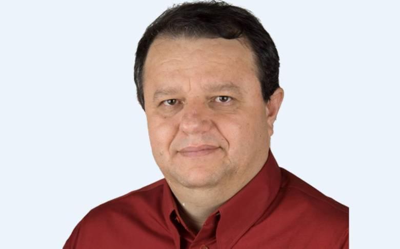 Devair Paschoalon (Deva Pascovicci) -Fox (Narrador de rádio e TV)Perfil:Natural de Monte Aprazível, iniciou a carreira como operador de som, na adolescência, no interior de São Paulo. No início dos anos 1980, tornou-se locutor e mudou-se para Mato Grosso. De volta a São Paulo, trabalhou com Osmar Santos. Atuou naSporTVnos anos 1990 e estava atualmente naFox