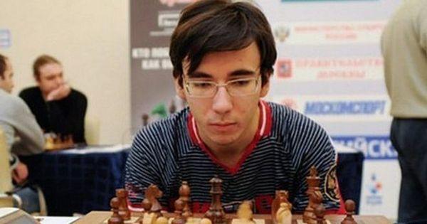Campeão russo de xadrez morre ao cair do prédio onde praticava parkour