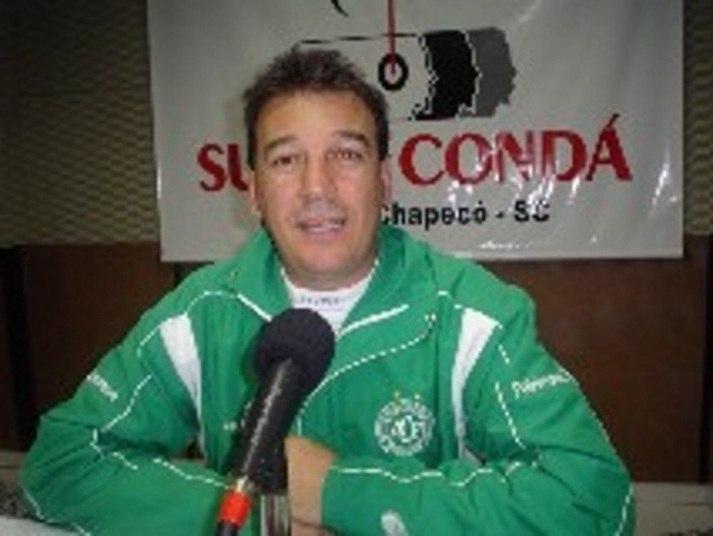 Ivan Carlos Agnoletto -Rádio Super CondáPerfil: Ivan atuava como locutor e comentarista de rádio na Rádio Chapecó, em Santa Catarina
