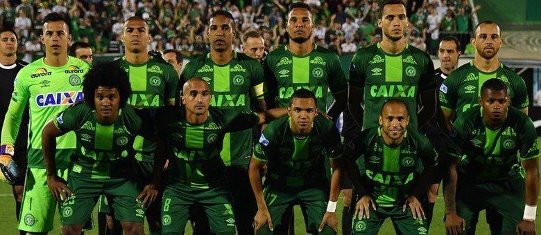 Resultado de imagem para Conmebol deve declarar Chapecoense campeã da Copa Sul-Americana