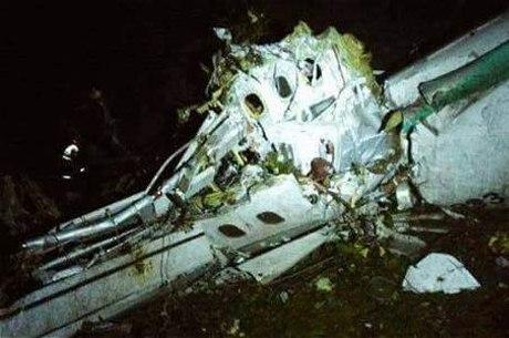Resultado de imagem para queda de avião mata jogadores do chapecoense