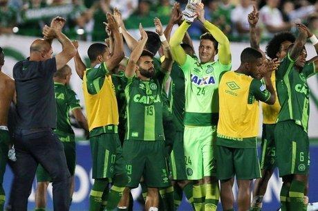Resultado de imagem para Brasil recebe a Colômbia em jogo destinado à Chape