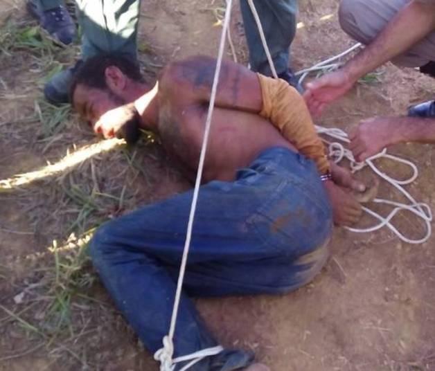 Jairo Lopes (foto), de 42 anos, apontado pela polícia como autor do assassinato da criança, foi encontrado seis dias após o crime. Ele é acusado de homicídio, estupro e roubo e quase foi linchado pela população. O homem morava havia dois meses na cidade e estaria usando nome falso.