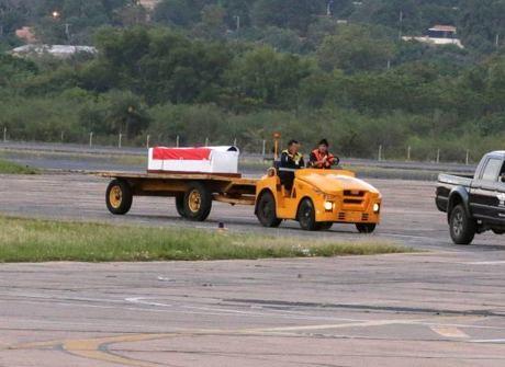 Primeiro corpo de vítima do voo da Chapecoense chega ao país natal
