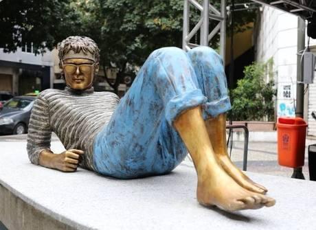 Estátua em homenagem a<br />Cazuza é inaugurada no Leblon