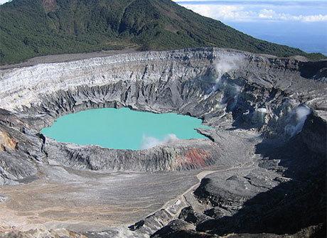 Visitar os vulcões da Costa Rica é uma experiência inesquecível