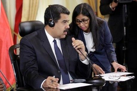 Suspensa do Mercosul, Venezuela diz que vai à reunião na Argentina
