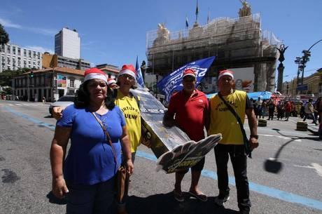Rio adia para janeiro pagamento de 1ª parcela do salário de novembro