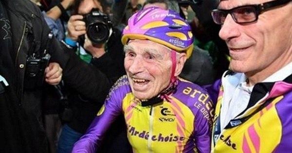 Aos 105 anos, francês pedala 22 quilômetros em uma hora