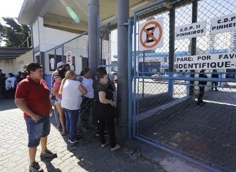 Confira as imagens da rebelião de presos no cadeião de Pinheiros