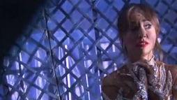 Sabrina Sato encara o 'globo da morte' do Circo Stankowich. Assista (Reprodução)