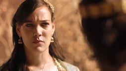 Jezabel ordena que servos assassinem Aisha enquanto ela distribuía alimentos (Reprodução)