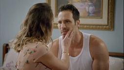 """César se desculpa com  Raquel: """"Eu prometo que  vou te recompensar!"""" ()"""