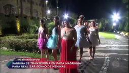 Em surpresa emocionante, apresentadora realiza sonho de 35 debutantes (Edu Moraes/Record TV  )