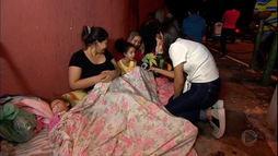 _Domingo Espetacular_ madruga na fila com brasileiros que estão em busca da vacina ()