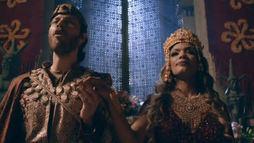 Jezabel anuncia gravidez durante festa e deixa Aisha incomodada (Reprodução)