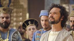 Daniel revela o sonho de Nabucodonosor e se torna governador da Babilônia (Reprodução)