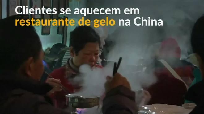 China: festival de gelo tem panelões quentes para aquecer turistas