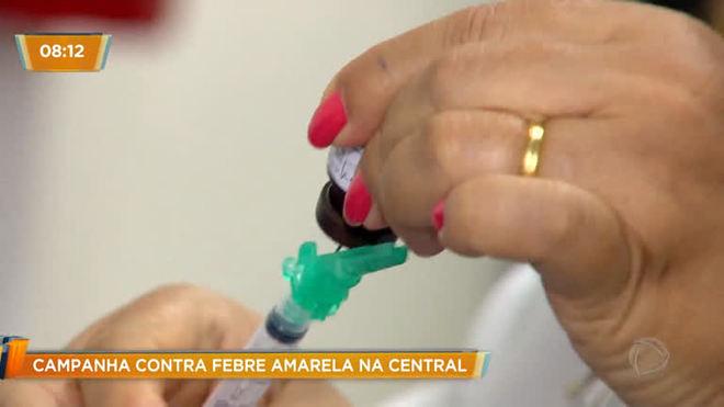 Campanha contra febre amarela leva vacinação à Central do Brasil