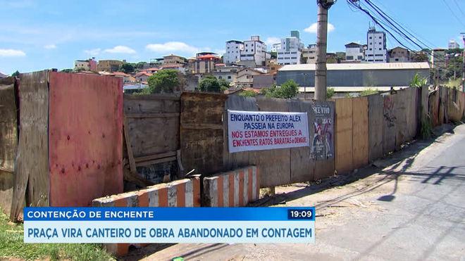 Paralisação de obra em bairro de Contagem incomoda moradores