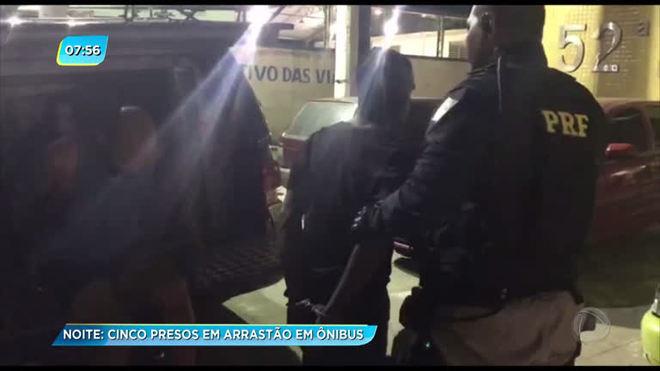 PRF prende quadrilha que fez arrastão em ônibus na Dutra