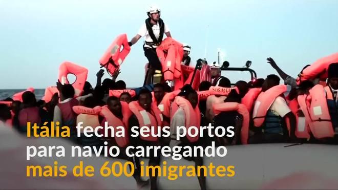 Itália fecha portos para barco de resgate de imigrantes