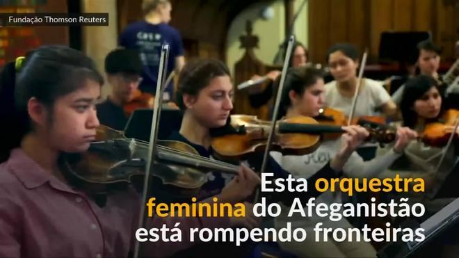 Orquestra feminina do Afeganistão se esforça para tocar