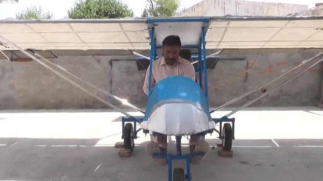 Paquistanês constrói avião caseiro com pouco mais de R$ 2.300