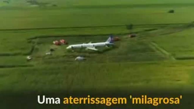 Avião russo faz pouso de emergência 'milagroso' em milharal