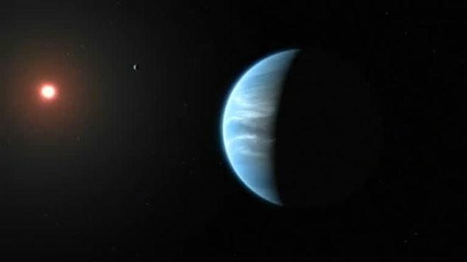Descoberta pioneira: água em planeta fora do sistema solar