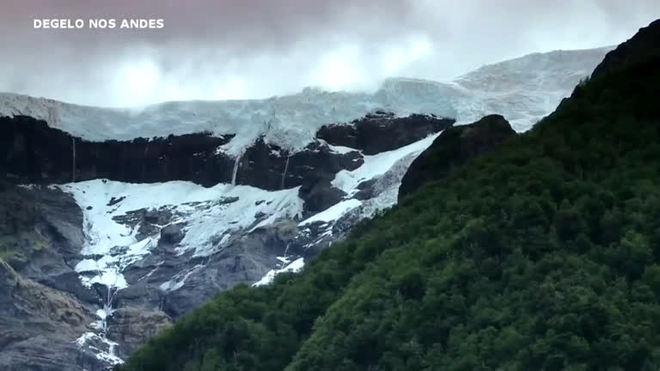 Graves derretimentos em geleiras andinas expõem crise climática