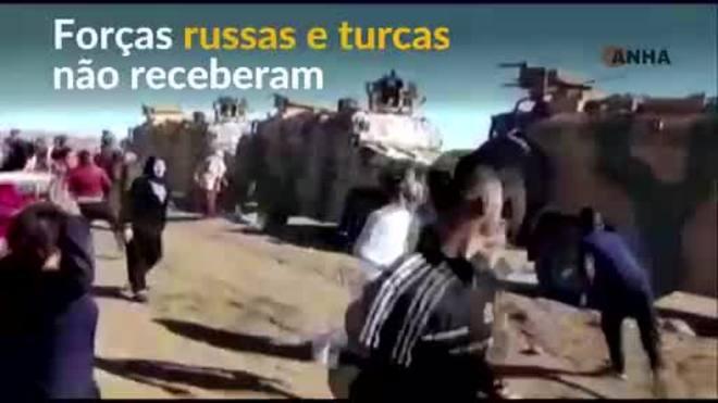 Moradores atacam comboios de Turquia e Rússia na Síria