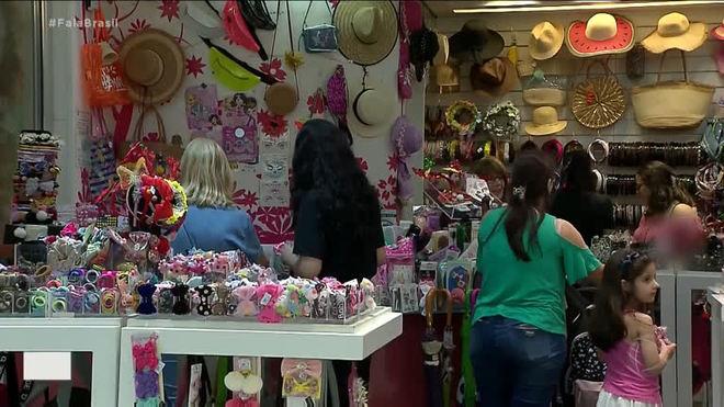 Treze milhões de brasileiros devem fazer as compras de Natal na última hora