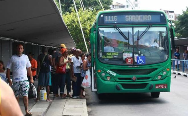 Vídeo: Salvador opera com 80% da frota de ônibus nesta sexta-feira