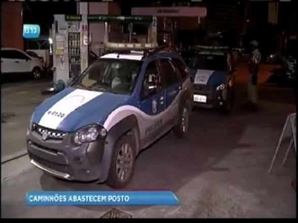 Postos de combustíveis abastecem somente veículos oficiais em Salvador
