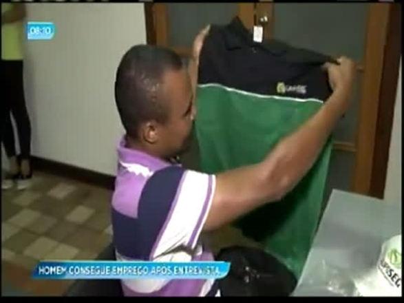 Homem consegue emprego após entrevista da Record TV Itapoan