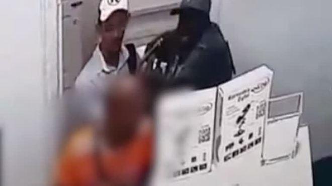 Vídeo: bandidos armados assaltam assistência de celulares no centro de Salvador