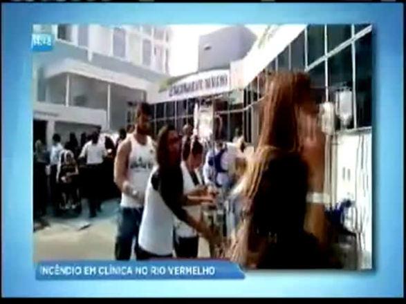Incêndio atinge boate e fumaça faz clínica evacuar prédio no Rio Vermelho