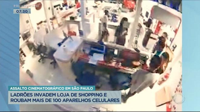 Ladrões invadem loja de shopping e roubam mais de cemcelulares