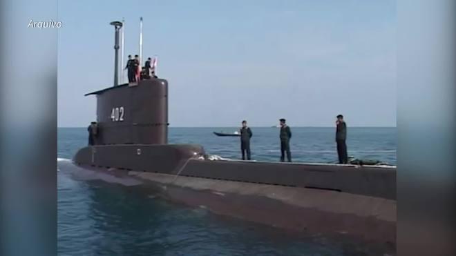 Militares divulgam vídeo de tripulação de submarino cantando