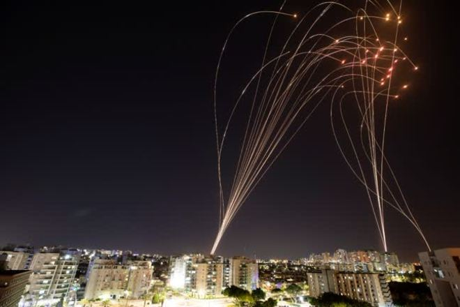 Entenda como funciona o Domo de Ferro, sistema antimísseis de Israel