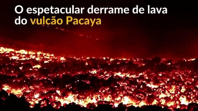 Um espetacular derrame de lava do vulcão guatemalteco Pacaya