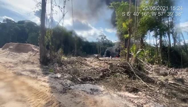 Garimpeiros devastam área de preservação em terra indígena no PA