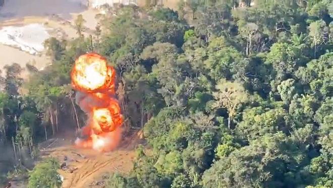 Operação explode alojamento de garimpeiros ilegais em terras indígenas